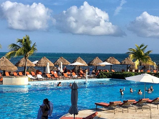 Stay and see around Cancun-Mexico