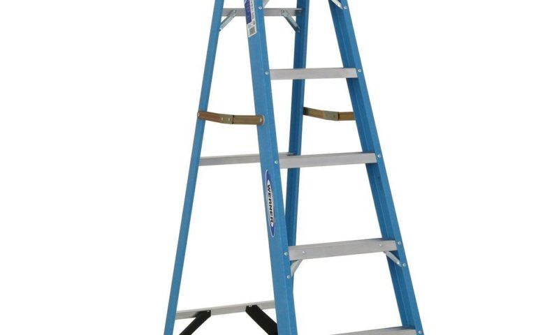 6 ft. Fiberglass Step Ladder with 250 lb. Load Capacity Type $60 was <strike>$86</strike>