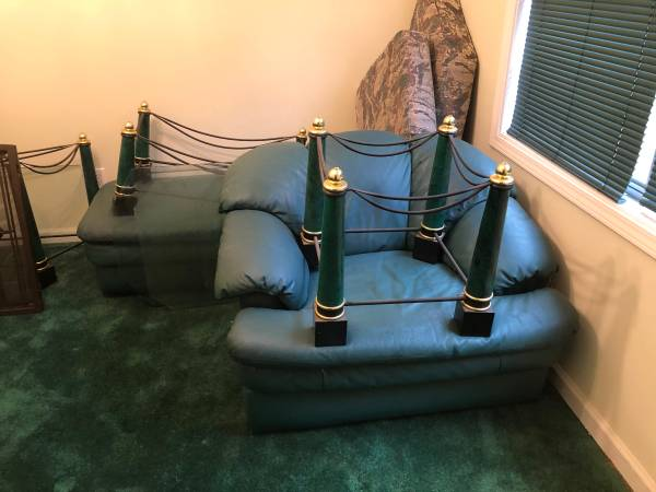 FREE OTTOMAN LOVE SEATCHAIR LEATHER AND & COFFEE END TABLE