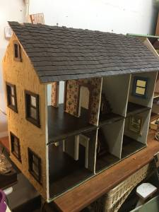 Large Antique Dollhouse is now Free